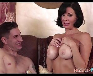 Horny Big Tits Mummy Step Mom Veronica Avluv Has Sex With Big Cock Step Son In Her Bed